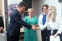 Wręczenie nagrody Grand Prix przez wicestarostę chrzanowskiego Krzysztofa Kasperka